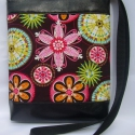 City Bag Mini: Variációk kis feketére -Tündöklő virágok, Ruha, divat, cipő, Táska, Baba-mama-gyerek, Varrás, Ahogy ígértem, jönnek a tesók is :)  Fekete textilbőrből készült ez a kis oldaltáska, elejére egy b..., Meska