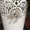 Fehér kála, Esküvő, Ékszer, óra, Esküvői ékszer, Ékszerszett, Ékszerkészítés, Alkalmi, visszafogott fülbevaló opál fehér kála virágokból. Csiszolt üveggyöngyökből készült a virá..., Meska