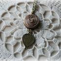 Vintage nyaklánc hőlégballonnal és szürke rózsával, Ékszer, óra, Nyaklánc, Ékszerkészítés, 45 cm hosszú nyaklánc hőlégballonnal és szürkés színű szalagból készített rózsával.  , Meska