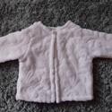 baba szőrmekabát, Baba-mama-gyerek, Ruha, divat, cipő, Gyerekruha, Baba (0-1év), Varrás, A textilszőrméből készült 68-as méretű kabátka kívül belül puha szőrme, így jól melegít, ugyanakkor..., Meska