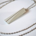 Elegáns beton nyaklánc, Ékszer, óra, Nyaklánc, Ékszerkészítés, Egyedi, kézzel készített, igazán elegáns beton medál ezüst díszítéssel, ezüst láncon. A lánc kb. 70..., Meska