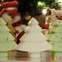 Karácsonyfa szappan - mézeskalács illatú, Szépségápolás, Dekoráció, Baba-mama-gyerek, Szappan, tisztálkodószer, Szappankészítés, Ezek a kézzel öntött, karácsonyfa formájú, mézeskalács illatú szappankák, tökéletes ajándékok lehet..., Meska