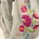 Vastag téli bolyhos pamutjersey körsál puha meleg - szürke, lila hagyományos, Ruha, divat, cipő, Kendő, sál, sapka, kesztyű, Sál, Hímzés, Varrás, Elegáns, körsál nőknek  ¤ meleg, puha szürke pamut jersey alap ¤ kézzel hímzett ¤ több színű -  ¤ p..., Meska