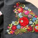 Farmer körsál  - SZÍV  kézzel hímzett mintával - hagyományos matyó színekkel, Ruha, divat, cipő, Magyar motívumokkal, Női ruha, Hímzés, Varrás, Gyönyörű, kézzel hímzett farmer körsál. Szív forma hagyományos matyó formavilággal kitöltve.  ¤ any..., Meska
