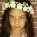 Rózsa koszorú, Esküvő, Baba-mama-gyerek, Hajdísz, ruhadísz, Virágkötés, Apró habrózsából készített koszorú kislányoknak és menyasszonyoknak egyaránt. Kérésre szaténszalago..., Meska