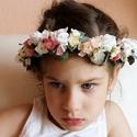 Vintage menyasszonyi koszorú, Esküvő, Hajdísz, ruhadísz, Virágkötés, Sok-sok aprócska selyemvirágból és pici habrózsából kötöttem ezt a romantikus menyasszonyi koszorút..., Meska