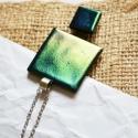 Olajzöld üvegékszer szett, Ékszer, óra, Ékszerszett, Ékszerkészítés, Üvegművészet, Nyakláncból és fülbevalóból áll a szett. Színátmenetes: zöldes-sárgás, lilába hajló üvegből készült..., Meska