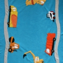 Pihe-puha munkagépes takaró, Baba-mama-gyerek, Gyerekszoba, Falvédő, takaró, Varrás, Kisfiúk legkedveltebb munkagépeinek mintáival készült ez a puha és meleg polár takaró. A takarón kö..., Meska
