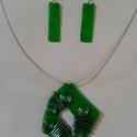 Zöld alkami nyaklánc és fülbevaló szett, Ékszer, óra, Ékszerszett, Nyaklánc, Fülbevaló, Ékszerkészítés, Újrahasznosított alapanyagból készült termékek, Műanyag üdítős flakonból készítettem ezt a szettet. Üveg hatású. Utánozhatatlan, még egy ilyet nem ..., Meska