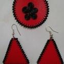 Piros-fekete fülbevaló+medál szett, Ékszer, óra, Esküvő, Ékszerszett, Esküvői ékszer, Ékszerkészítés, Újrahasznosított alapanyagból készült termékek, Műanyag piros flakonból vágtam ki az alapot, fekete fonallal, gyönggyel, ékszerdróttal díszítettem...., Meska