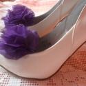 Lila muszlin pompom cipőklipsz, Ékszer, óra, Ruha, divat, cipő, Bross, kitűző, Cipő, papucs, Cipő, cipőklipsz, Varrás, Gyönyörű mély lila színű muszlinanyagból készült ez a kis pompomos cipőklipsz.Mérete 7 cm. Valódi ci..., Meska