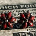 Bordó picasso pontfüli, Ékszer, óra, Fülbevaló, Gyöngyfűzés, Egyszerű, helyes pontfüli bordó színben Mérete: 1x1 cm Nikkelmentes, antiallergén ékszeralkatrészből, Meska