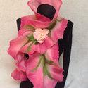 Merinoi nemez sál tavaszi virágokkal, Ruha, divat, cipő, Kendő, sál, sapka, kesztyű, Sál, Nemezelés, Ez a gyönyörü sál a legpuhább merinoi gyapjubol készült.  A tavaszi virágzás ihlette zöld rózsaszin..., Meska
