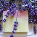 Levendulás szappan, Szépségápolás, Szappan, tisztálkodószer, Növényi alapanyagú szappan, Natúrszappan, Kényeztető, nyugtató szappan érzékeny bőrre is.  A kókuszolaj kíméletesen tisztítja, az olívaolaj tá..., Meska