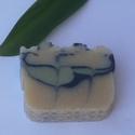 Nyírségi Családi Gyöngyvirágos kecsketejes szappan, Szépségápolás, Szappan, tisztálkodószer, Natúrszappan, Kecsketejes szappan, Szappankészítés, Házi kecsketejjel, gyöngyvirág illóolaj felhasználásával készítettük.  Kemény tapintású, finom illa..., Meska