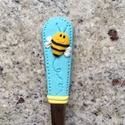 Vidám méhecskés kiskanál, Baba-mama-gyerek, Dekoráció, Konyhafelszerelés, Gyurma, Mindenmás, Édes méhecskés kiskanál, ami igazán fel tudja dobni a napot, kitűnő ajándék bármilyen alkalomra. :)..., Meska