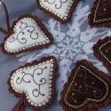 Karácsonyi szíveim (indás), Dekoráció, Karácsonyi, adventi apróságok, Karácsonyfadísz, Dísz, Hímzés, Horgolás, A csomagba hat darab hímzett szívecske tartozik. A széleket horgolással díszítettem. Körülbelül 8cm..., Meska