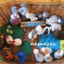 liba baromfiudvar nemez, Játék, Báb, Baba játék, Baba, babaház, Nemezelés, Gyapjúból készítettem a baromfiudvar figuráit.  Finoman mosható, gyöngyszemű libák darabja 680 forin..., Meska