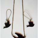 Madarak - vintage ékszerszett. nyaklánc, fülbevaló, Ékszer, óra, Ékszerszett, Fülbevaló, Nyaklánc, Festett tárgyak, Zsugorka, Átlátszó zsugorkából készült, kézzel festett madarak kaptak helyet bronz színű láncon és az alapoko..., Meska