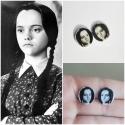 Wednesday Addams - Addams Family pici bedugós fülbevaló, Ékszer, óra, Fülbevaló, Fehér zsugorkából készült pici fülbevaló. Addams Family rajongóknak kötelező darab! (   ~ 15 mm-es ..., Meska