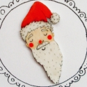 Télapó Mikulás Rajzolt Bross , Ékszer, óra, Karácsonyi, adventi apróságok, Bross, kitűző, Fehér zsugorkából készült, kézzel rajzolt, lakkozott bross.   Vidám kitűző nem csak gyerekeknek! Gye..., Meska