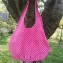 Rózsaszín virágmintás csepp alakú táska, Táska, Válltáska, oldaltáska, Varrás, Rózsaszín apró virágmintás, pamutvászon anyagból készült, közepes méretű táska. Bélésselyemmel bélel..., Meska