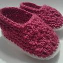 Pink horgolt babacipő 0-3 hónapos korig, Baba-mama-gyerek, Ruha, divat, cipő, Cipő, papucs, Horgolás, A legkisebbeknek horgolni öröm. Mindennapi viselete, praktikus öltözékkiegészítője lehet gyermekedn..., Meska