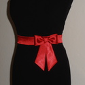 Szaténöv masnival vagy virággal méretre rendelhető, Ruha, divat, cipő, Esküvői ruha, Öv, Varrás, Piros színű szaténöv masnival vagy rózsával a kis feketére. Méretre rendelhető,kérésre más színben ..., Meska