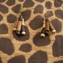 Fa gyöngyös fülbevaló, Ékszer, óra, Fülbevaló, Ékszerkészítés, Különböző méretű, színű és formájú fa gyöngyökből készítettem ezt a fülbevalót, antik bronz színű a..., Meska