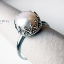 Gyöngy (Royal), Ékszer, óra, Gyűrű, Ékszerkészítés, Egyedi, ezüst gyűrű fehér gyönggyel. A gyűrű finom, romantikus, picit retro hatású.  Az ezüst oxidá..., Meska