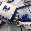 BABA ajándékcsomag - beige-kék, Játék, Baba játék, Készségfejlesztő játék, Varrás, Vidám, színes textilekből, natúr fakarikából, fagolyókból, és címkékből készségfejlesztő játékokat,..., Meska