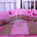 PILLANGÓS ágynemű - beige-rózsaszín - takaró+párna, Baba-mama-gyerek, Gyerekszoba, Falvédő, takaró, Festett tárgyak, Mindenmás, Egyedi, különféle vidám, színes textilekből készített, applikációkkal ellátott baba- gyerektakaró é..., Meska