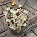 BAGLYOS dekoráció bádog kaspóban, Otthon, lakberendezés, Dekoráció, Dísz, Kaspó, virágtartó, váza, korsó, cserép, Virágkötés, Vidám és kedves baglyos dekorációt készítettünk, ajándékba vagy otthonod díszeként.  Méretei: 30×16..., Meska