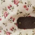 Piros, rózsás táska, Ruha, divat, cipő, Táska, Válltáska, oldaltáska, Szatyor, Varrás, Bőrművesség, Vidám, romantikus stílusú rózsa mintás táska bőr füllel. Pöttyös béléssel és belsőzsebbel van ellát..., Meska