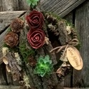 Kegyeleti koszorú rózsával, Dekoráció, Otthon, lakberendezés, Utcatábla, névtábla, Falikép, Virágkötés, Tartós anyagokból készült kegyeleti koszorú.   Átmérője: 27cm, Meska
