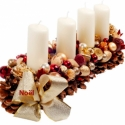 Madrid adventi / karácsonyi asztaldísz , Karácsonyi, adventi apróságok, Karácsonyi dekoráció, Mindenmás, Virágkötés, Toboz alapra készült karácsonyi asztaldísz. 80-120 db krém, bordó, arany színű fényes, glitteres és..., Meska