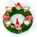 Manós moha adventi koszorú, Dekoráció, Karácsonyi, adventi apróságok, Karácsonyi dekoráció, Ünnepi dekoráció, Mindenmás, Virágkötés, Piros,fehér, zöld színekkel,moha alapra készítettem ezt a nagyon kedves adventi koszorút.  A koszor..., Meska