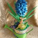 Tavasz illatú kék jácint, Dekoráció, Papírművészet, Virágkötés, Aprólékos kézimunkával készült kék krepp-papír jácint cink öntözőkannácskában, melyet tavaszi szala..., Meska