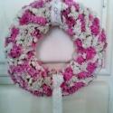 Sóvirág ajtókoszorú rózsaszín - fehér színekkel, csipke szalaggal, Dekoráció, Otthon, lakberendezés, Dísz, Falikép, Virágkötés, Mindenmás, Bájos, finom ajtókoszorú, minden korosztálynak :) 20 cm-es szalma alapra kötöttünk le rózsaszín és f..., Meska