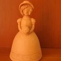 N?i figura (A), Dekoráció, Dísz, Korongozott, 980 °C fokon égetett, mázatlan n?i figura. Magassága 13 cm., Meska