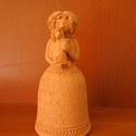 Női figura (D), Dekoráció, Dísz, Kerámia, Korongozott, 980 °C fokon égetett, mázatlan női figura. Magassága 13 cm., Meska