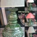 Zöld népiesen romantikus-egyedi kerámia lámpaváza, Képzőművészet, Esküvő, Otthon, lakberendezés, Lámpa, Kerámia, Szobrászat, Fehér agyagból készítettem ezt a lámpavázát.A testen körbefutnak domborodott indák,virágok.Gyönyörű..., Meska