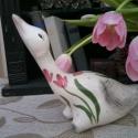 Egy tulipános bájos egyéniség kerámiából Márton napi libám, Dekoráció, Otthon, lakberendezés, Baba-mama-gyerek, Kerti dísz, Kerámia, Festett tárgyak, A tulipán a Teremtő a Szent hármasság jelképe.A nőiességre,érzékiségre a szerelemre is utal. Dísze ..., Meska