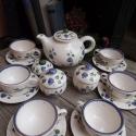 Kékfestő 6 személyes teás-szűrős teás kannával, Konyhafelszerelés, Esküvő, Kancsó , Bögre, csésze, Kerámia, Festett tárgyak, Fehér agyagból,mázalatti festékkel,egészségre ártalmas anyag mentes mázzal készítettem ezt a teás k..., Meska