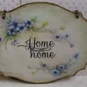 Édes otthon... II., Dekoráció, Otthon, lakberendezés, Falikép, Utcatábla, névtábla, Decoupage, szalvétatechnika, Festett tárgyak, Kedves, kis ajtótáblácska... Üdvözli... az ajtónkon kopogtatókat is... A táblácskához vékony rézlán..., Meska