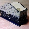 Kékpöttyös..., Dekoráció, Konyhafelszerelés, Otthon, lakberendezés, Tárolóeszköz, Decoupage, szalvétatechnika, Festett tárgyak, Kék-fehér virágos, pöttyös, csipkés, 3 rekeszes tároló...  Mérete: 23x12x13,5 cm, Meska