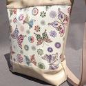 Pillangós  textilbőr táska , Táska, Mindenmás, Ruha, divat, cipő, Válltáska, oldaltáska, Varrás, RENDELHETŐ , ELKÉSZÍTÉSI IDŐ 1 HÉT !!!!   Textilbőrből és amerikai pamutból készítettem.  A4-es kön..., Meska
