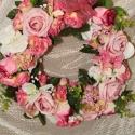Ajtódísz,kopogtató minőségi selyem - és habszivacs virágokból., Dekoráció, Otthon, lakberendezés, Dísz, Virágkötés, Ezt a különleges ajtódíszt minőségi selyemvirágokból és habszivacs rózsákból készítettem,a karácsony..., Meska