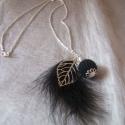 A fekete tollasbálba megy, Ékszer, óra, Nyaklánc, Ékszerkészítés, Horgolás, Ez a nyaklánc már a 2013-as kollekcióm egyik legújabb darabja.  Ezüstszínű láncra tettem a fekete m..., Meska