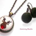 Textil gomb ékszer, Szett - Karácsonyi Rénszarvas - zöld fülbevalóval, Ékszer, óra, Ékszerszett, Ékszerkészítés, Ez az ékszer pillekönnyű viselet. Az általam behúzott textil gombokból készült.  Mérete :  -nyaklán..., Meska